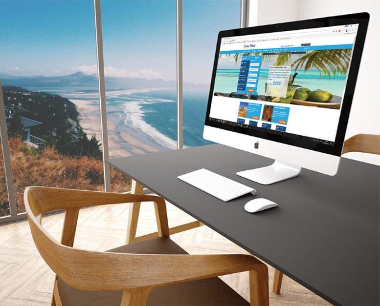 הדמיה לאתר פאן טיים. אתר תיירות. מסך אלגנטי עומד על שולחן עם נוף בחלון של חוף ים